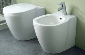 Стояща тоалетна Connect Space плътно прилепване