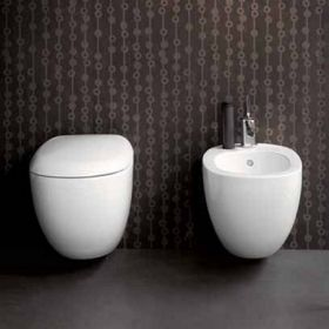 Окачена тоалетна Ego